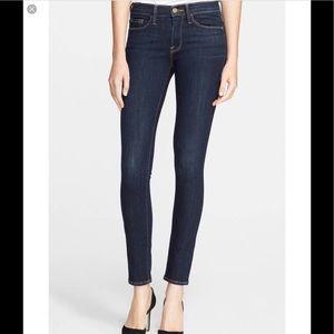 FRAME 'Le Skinny de Jeanne' Jeans 🦋